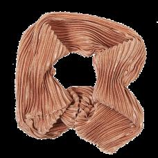Pudderfarvet scrunchie i crepe satin